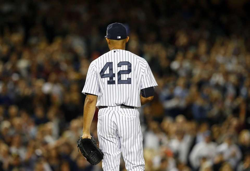 Mariano Rivera of the Yankees enters the game