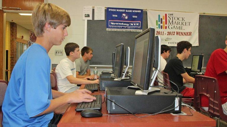 Garden City high schoolers take an online test