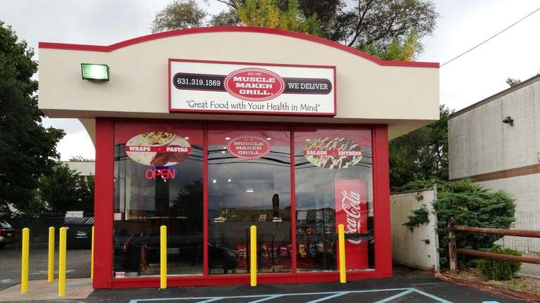 Muscle Maker Grill, shortly after opening in Huntington