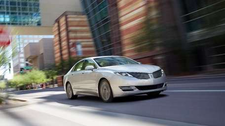 The hybrid powertrain on the 2014 Lincoln MKZ