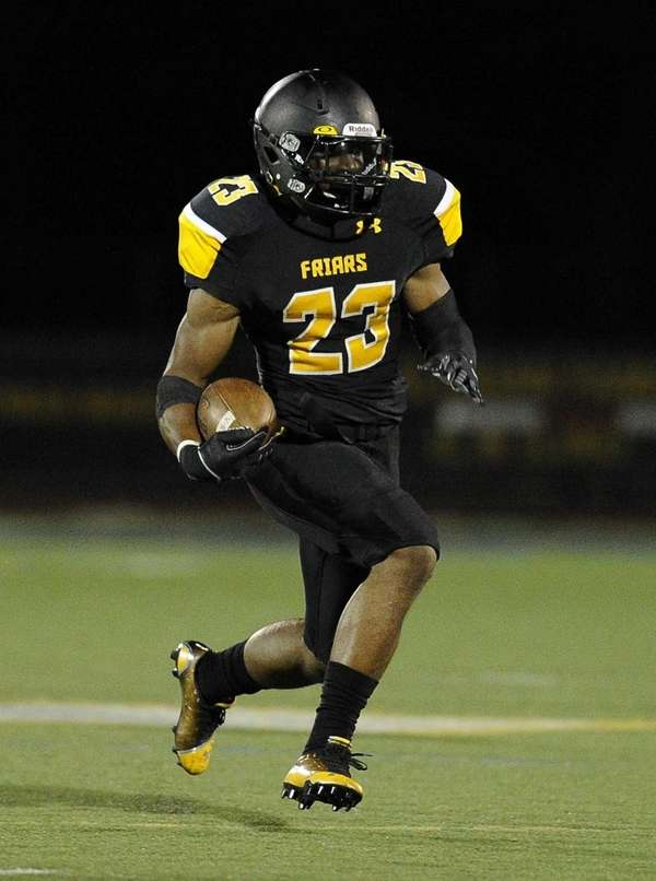 St. Anthony's running back Jordan Gowins runs the