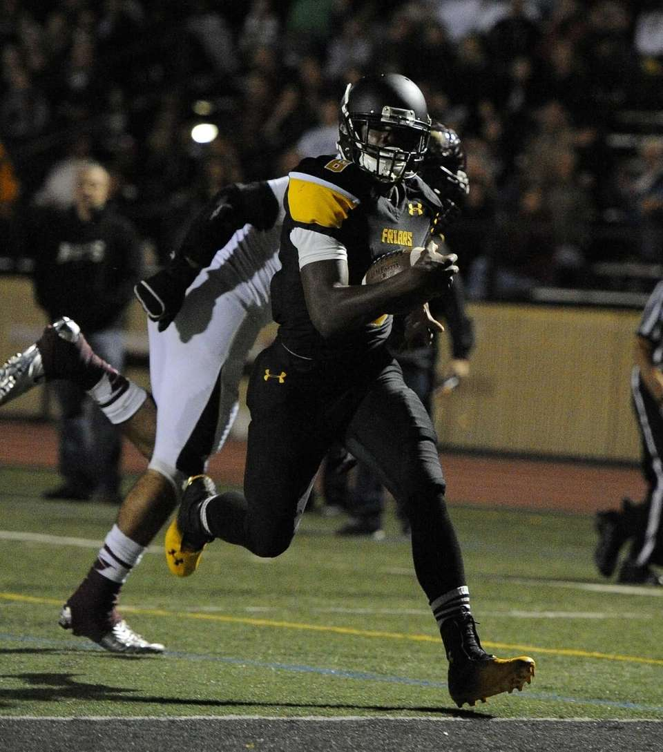 St. Anthony's running back Naim Jones scores against