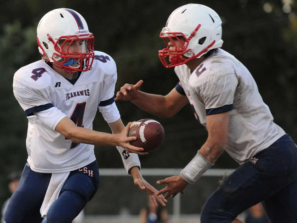 Cold Spring Harbor quarterback Wes Szajna (no. 4)