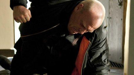 Hank Schrader (Dean Norris), top, and Jesse Pinkman