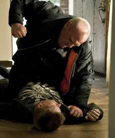 Hank Schrader (Dean Norris), top, and Jesse Pinkman