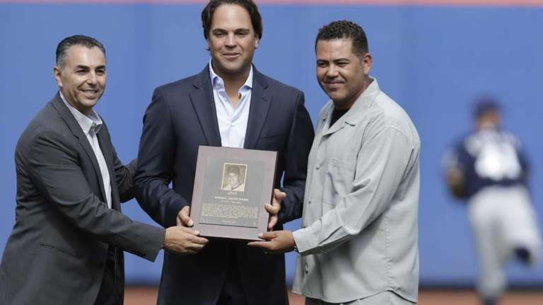 Former Mets reliever John Franco, left, and second