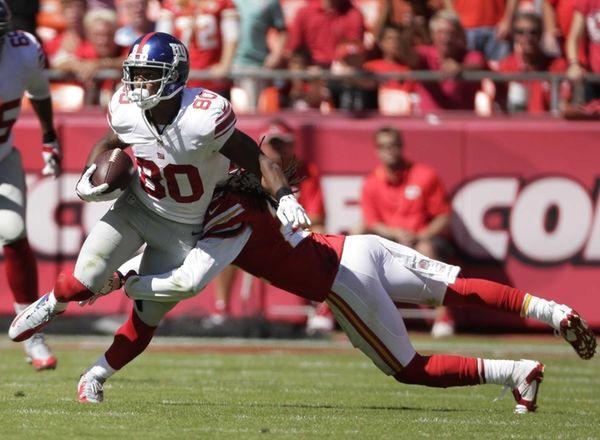 Giants wide receiver Victor Cruz (no. 80) is