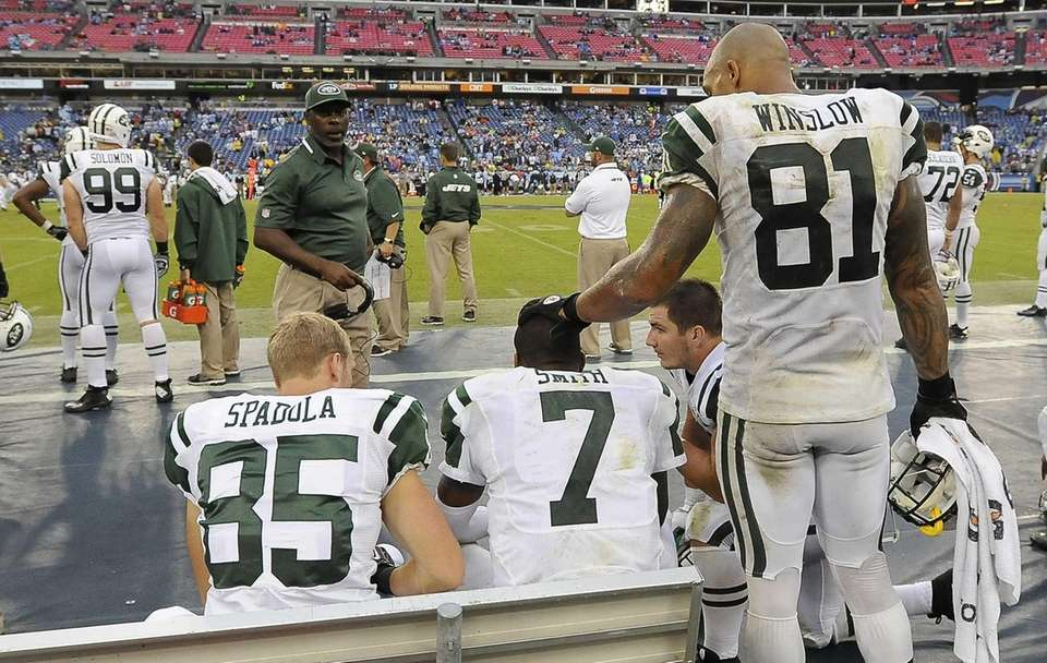 Jets quarterback Geno Smith (no. 7) is seen