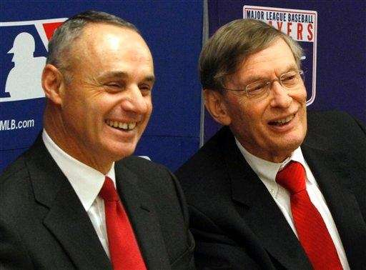 MLB commissioner Bud Selig, right, and MLB vice
