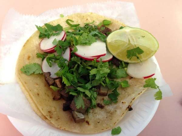 Tacos de lengua (tongue tacos) at the recently