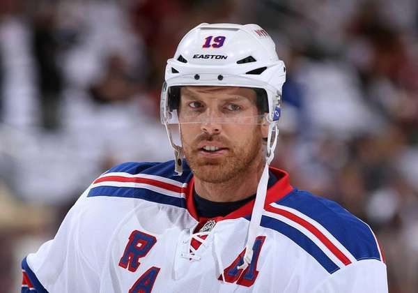 Brad Richards of the Rangers warms up before