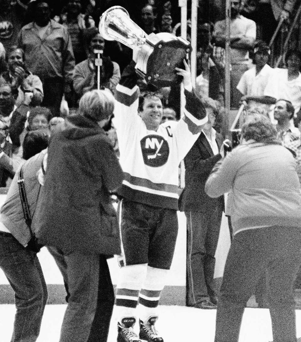 Islanders captain Denis Potvin carries the Wales Conference