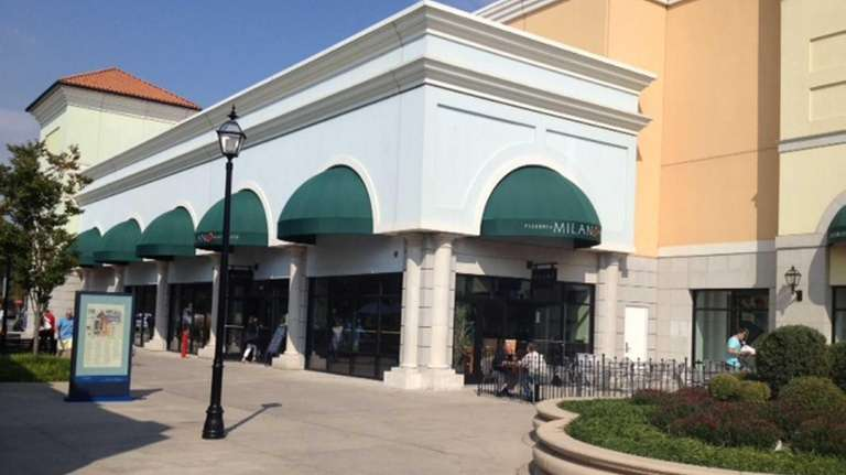 Milano Pizzeria & Ristorante at Tanger Outlet at
