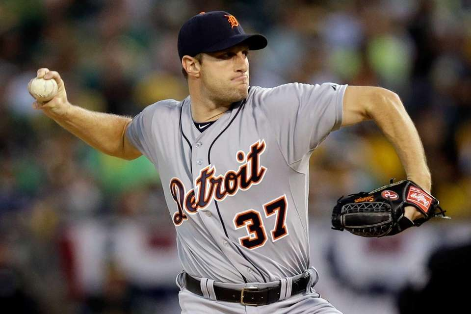 Max Scherzer of the Detroit Tigers throws a