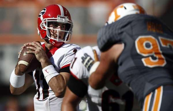 Georgia quarterback Aaron Murray looks for a receiver