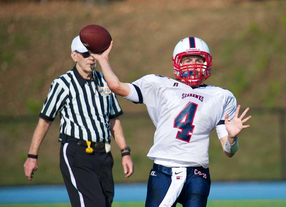 Cold Spring Harbor quarterback Wes Szajna looks to
