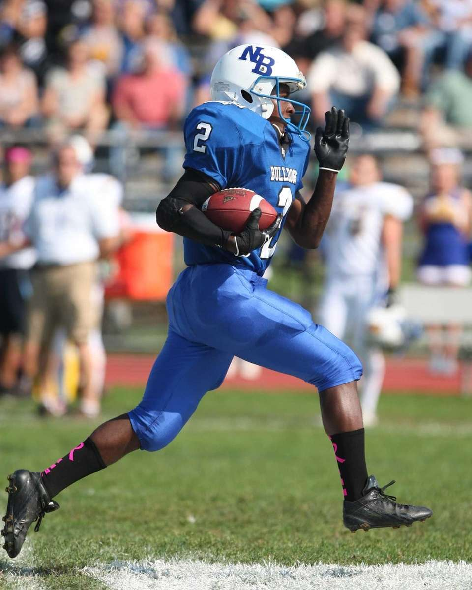 Jahjuan Winters of North Babylon runs upfield against