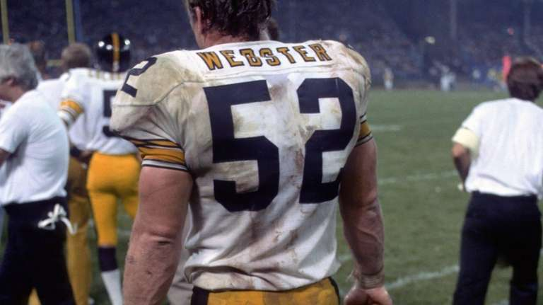 Offensive lineman Mike Webster #52 of the Pittsburgh
