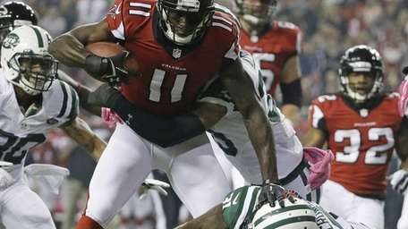 Atlanta Falcons wide receiver Julio Jones (11) is