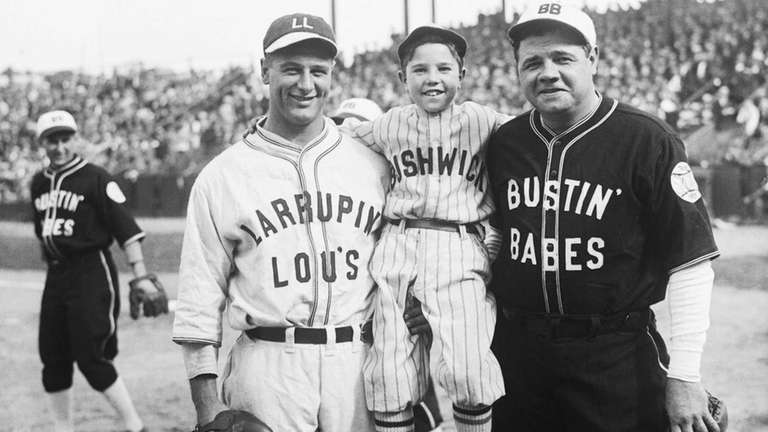 New York Yankees Lou Gehrig and Babe Ruth