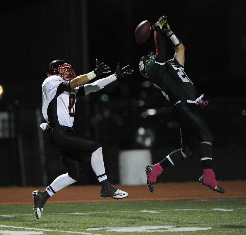 Lindenhurst Bulldogs' Anthony Lanzieri breaks up a pass