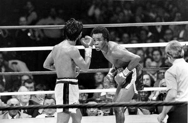 Sugar Ray Leonard, right, taunts at Roberto Duran