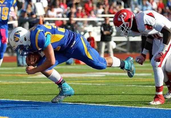 West Islip running back Matt McKeon takes the