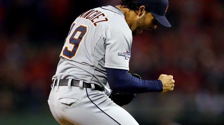 Detroit Tigers pitcher Anibal Sanchez reacts after a