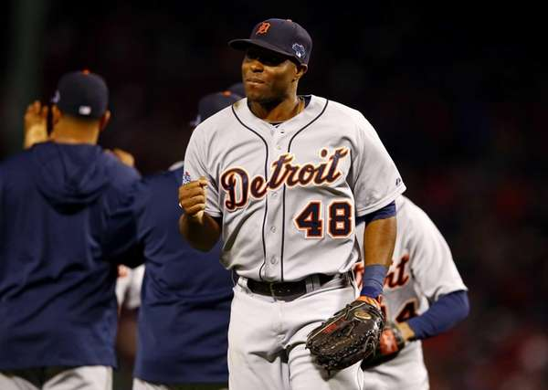 Detroit Tigers outfielder Torii Hunter (no. 48) reacts