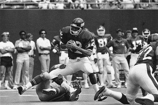 1983 RECORD: 3-12-1 The Giants began the season