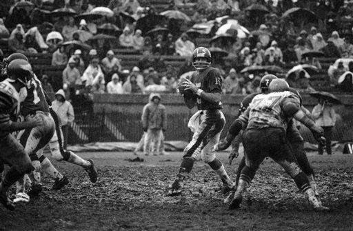 1974 RECORD: 2-12 The Giants lost seven games
