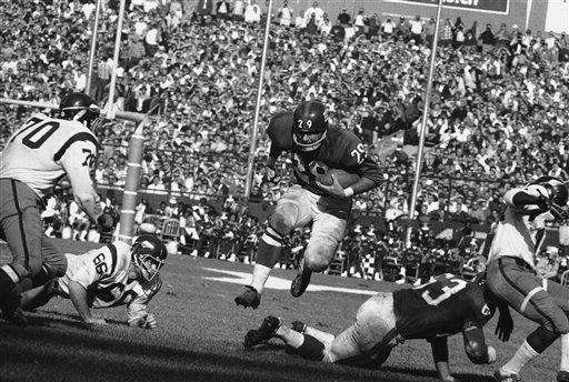 1966 RECORD: 1-12-1 After tying the Steelers, 34-34,