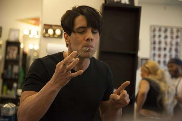 Magician Criss Angel reveals how to levitate a