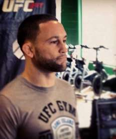 Nicely manicured beard from @frankieedgar as he heads