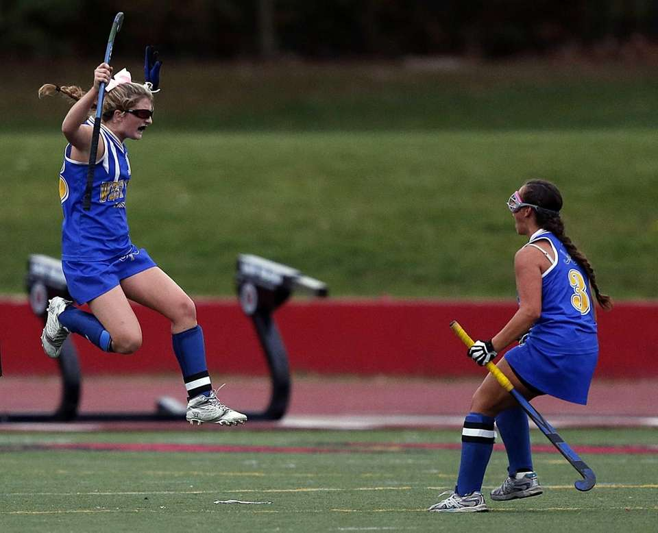West Islip's Keira Kelly celebrates tying the score