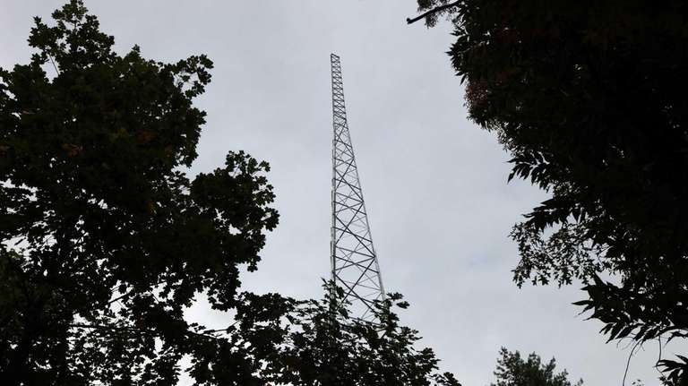 A new tower erected by the Manhasset-Lakeville Water