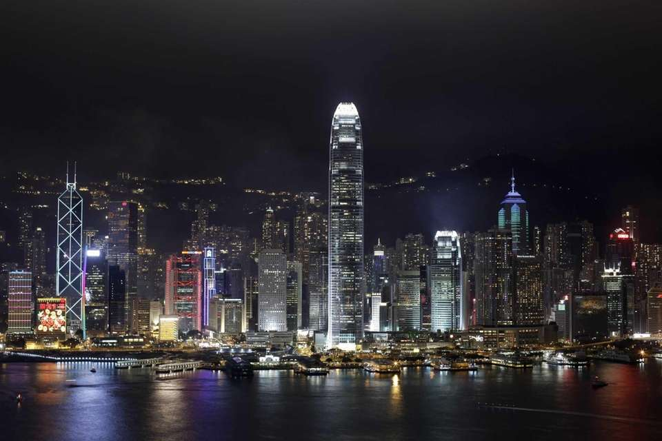 A night view of Hong Kong Island's legendary