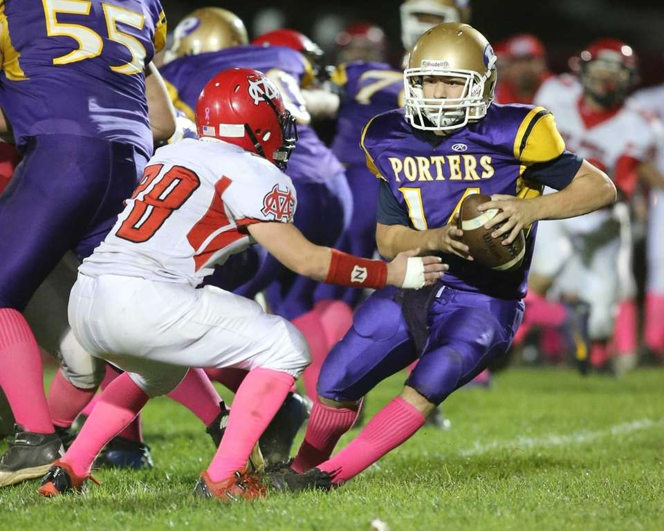 Greenport/Southold/Mattituck quarterback Matt Drinkwater keeps the ball on