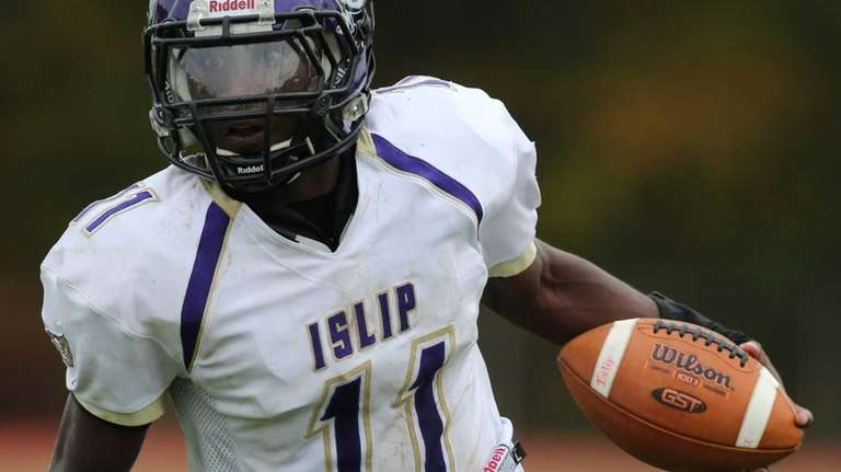 Islip running back Wynell Michaud runs for a