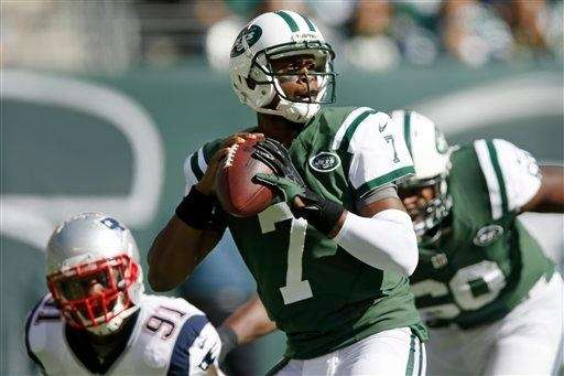 Geno Smith throws a pass as the New