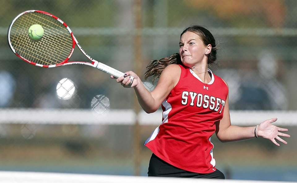 Syosset's Katie Cirella hits a forehand return during