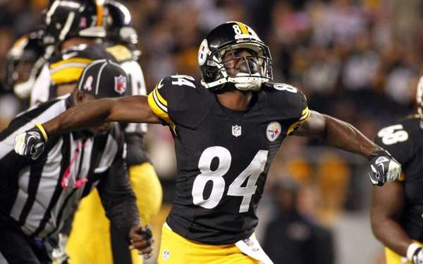 Pittsburgh Steelers wide receiver Antonio Brown reacts after