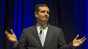 Sen. Ted Cruz speaks to members of the