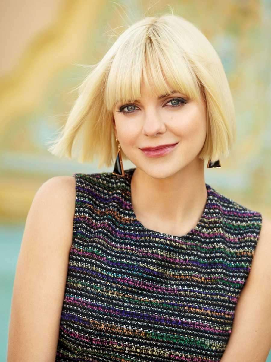 Actress Anna Faris, born on Nov. 29, 1976.