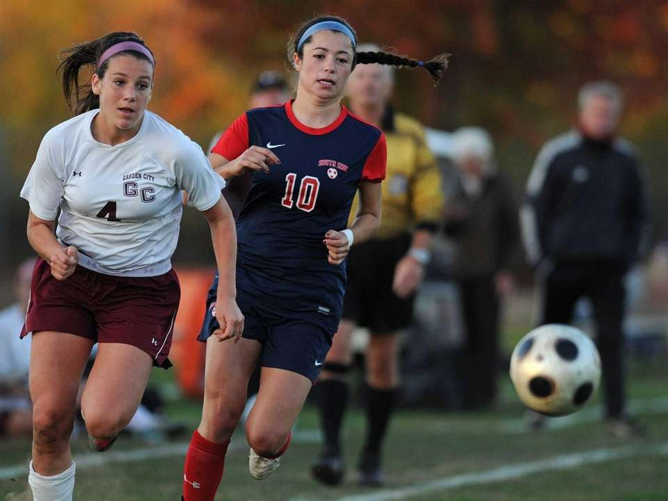 South Side's Juliana Pellegrini, right, and Garden City's