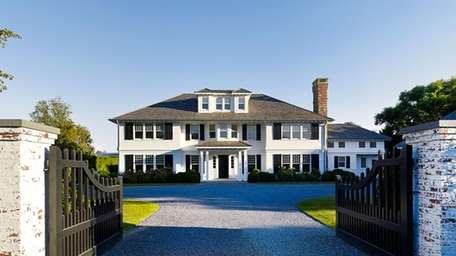 This newly constructed East Hampton home on Further