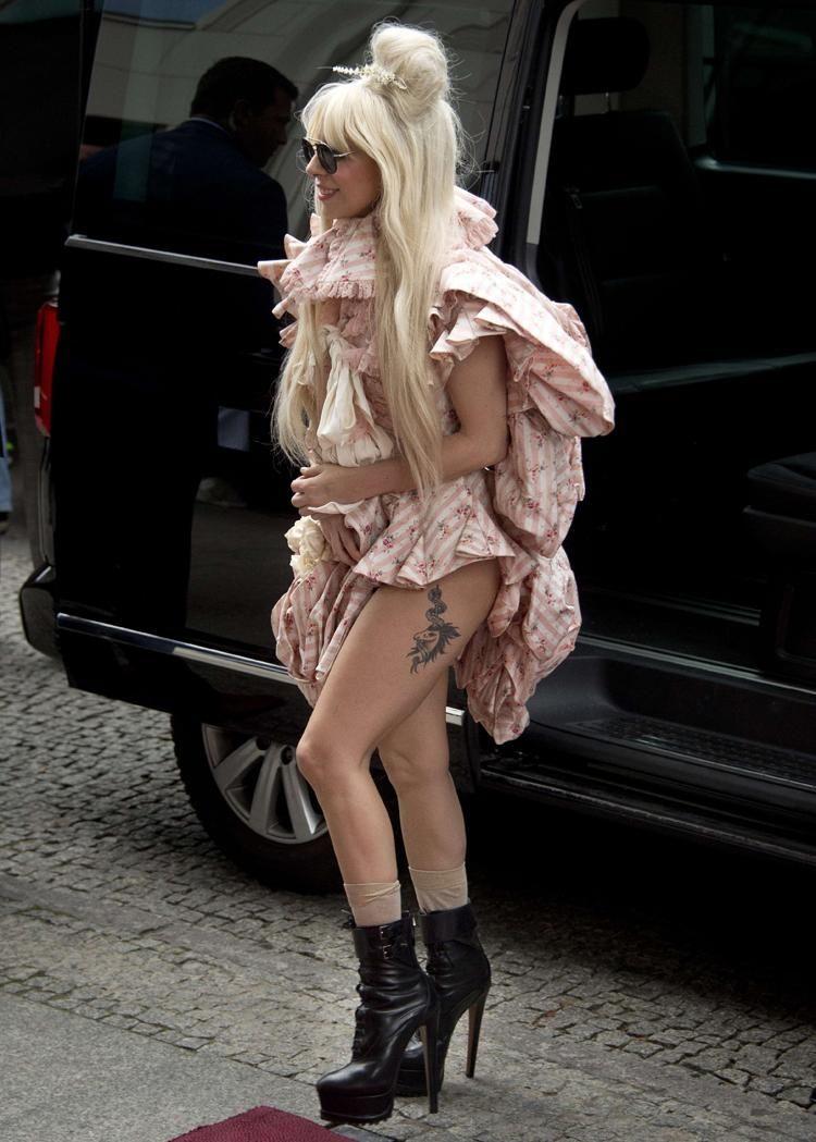 Lady Gaga arrives at the Ritz Carlton hotel