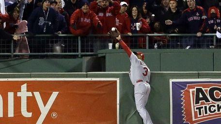 St. Louis Cardinals' Carlos Beltran makes a catch