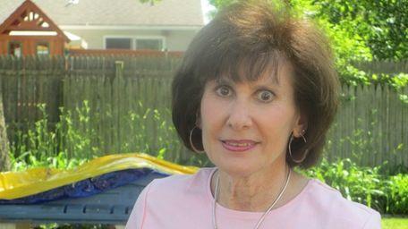 Lynn Stankowitz of North Babylon writes about her