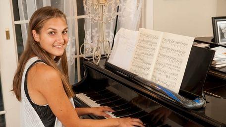 Pierson/Bridgehampton field hockey star Erica Selyukova plays the